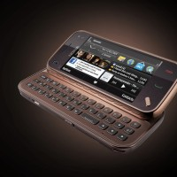 Nokia_N97_mini_Garnet_open