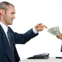 apple demanda a un trabajador por sobornos