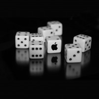 apple-logo-dice