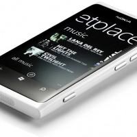 Nokia Lumia 800 de color blanco opaco