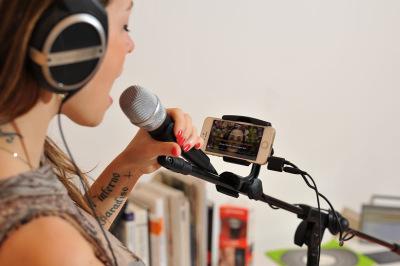 singer_iphone_9